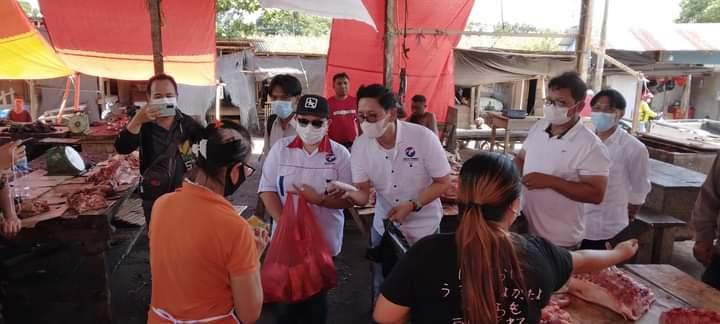 PERINDO Minsel Bagikan Vitamin dan Masker di Pasar 'Berdikari' Tumpaan