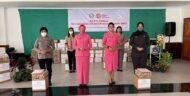 Ketua Bhayangkari Daerah Sulut Memberikan Tali Asih pada 104 Tenaga Medis dan Bantuan Korban Bencana